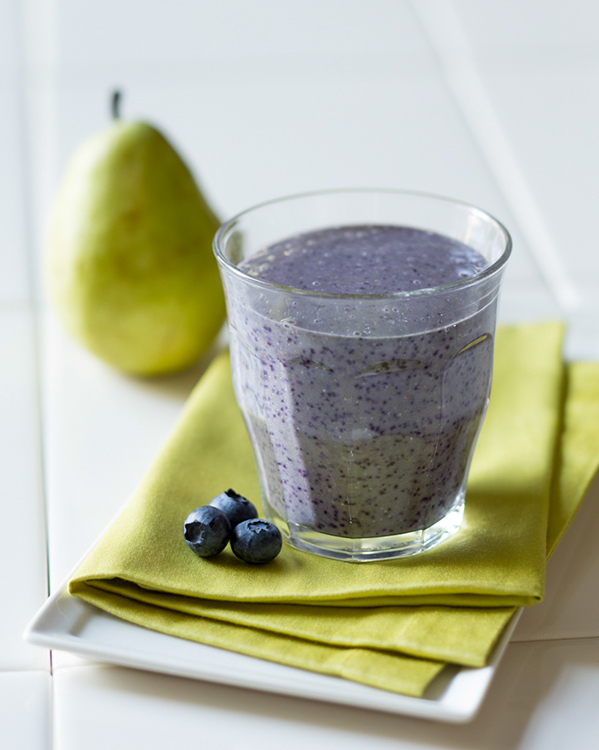 pear-oatmeal-blueberry-breakfast-smoothie-sm