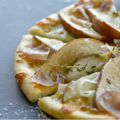 savory-pear-pizza
