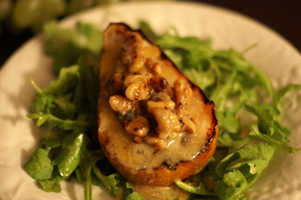 grilled pears with gorgonzola