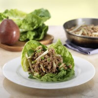 chicken-and-crunchy-pear-lettuce-wraps