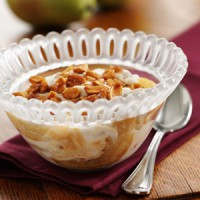 sauteed-pears-with-vanilla-yogurt-and-honey-peanuts