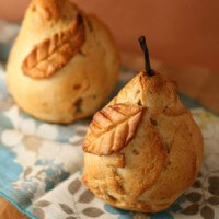 baked-pear-parcels-with-lemon-chamomile-sauce