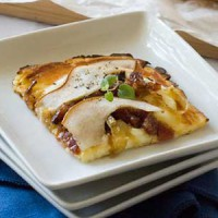 gluten-free-pear-bacon-pizza