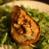 grilled-pears-with-gorgonzola-brie