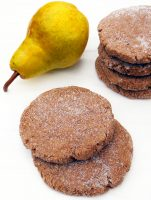 pear-sweetened-spiced-molasses-cookies