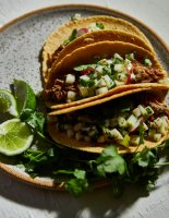 pulled-pork-and-pear-tacos-with-pear-pico-de-gallo