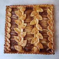 pear-salted-caramel-crostata