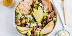 pear-salad-with-walnuts-avocado-and-grilled-chicken