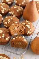 cinnamon-pear-muffins