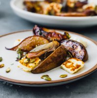 savory-roasted-pears-red-onions-halloumi-cheese
