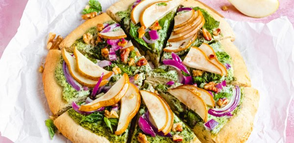 SPINACH AND KALE PEAR PIZZA